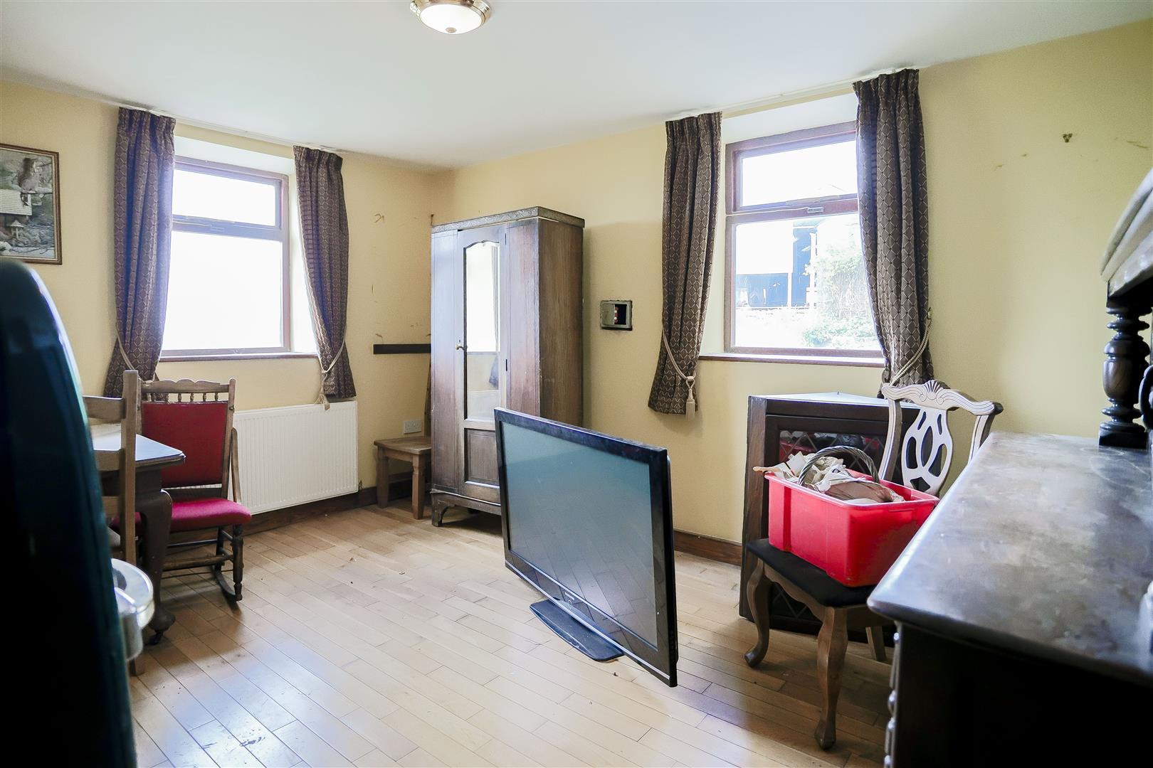2 Bedroom Barn Conversion For Sale - IMG_2401.jpg